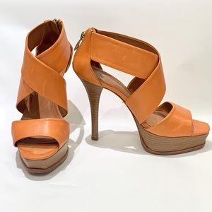 Pour La Victoire Heels size 6.5